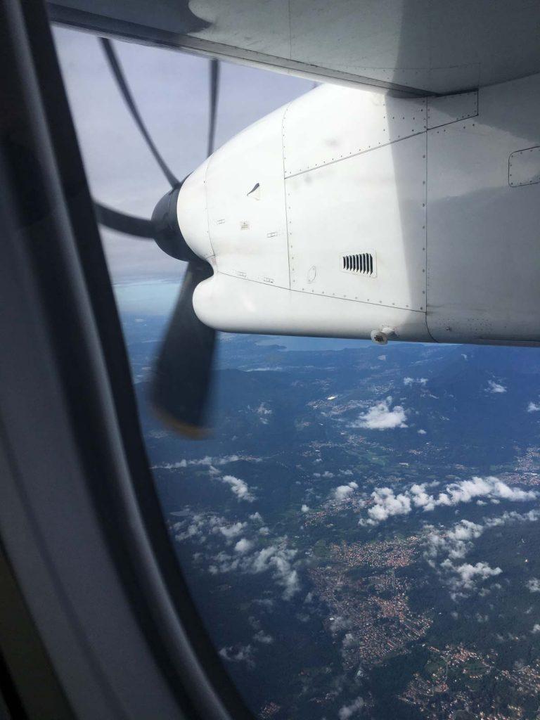 Flug mit einem kleinen Flugzeug von Zürich nach Lugano