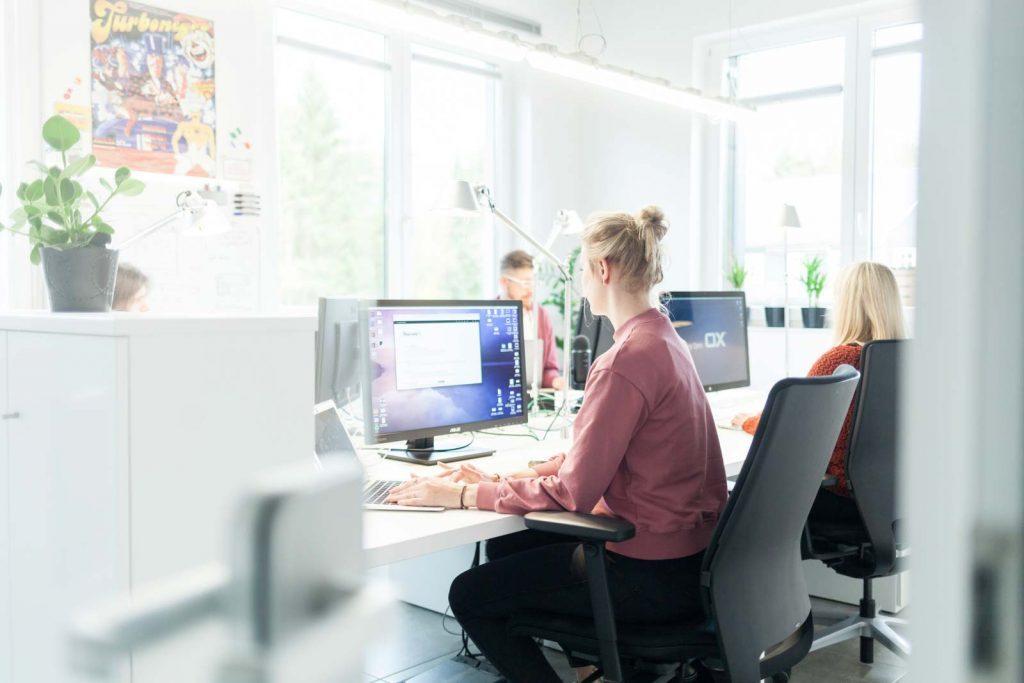 Helles Büro in einem Tech Startup